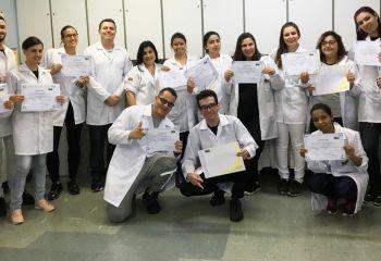Coleta de Material Biológico com os alunos dos curso Técnico em Análises Clínicas e Enfermagem